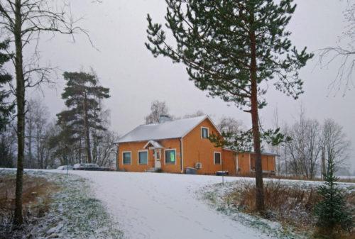 20.11.2020 satoi Murtolahteen ensi lumen